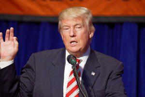 トランプ大統領とメディア、国民はどちらを信用している?世論調査の結果が公表される