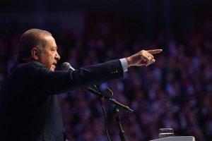 トルコ大統領が閣僚の入国を拒否したオランダを非難、両国の対立が激しさを増す