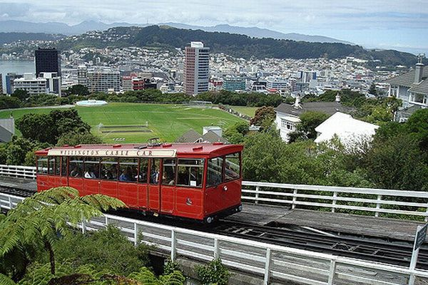 就職の面接に来てくれた人には旅費を無料に!NZの人材確保の取り組みがユニーク