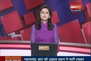 インドの女性アナウンサーに起きた悲劇、夫の事故死のニュースを報道する