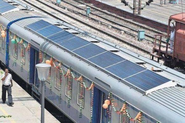 インドで初めてソーラーパネルを設置した列車を導入、年間2万リットルの燃料を節約