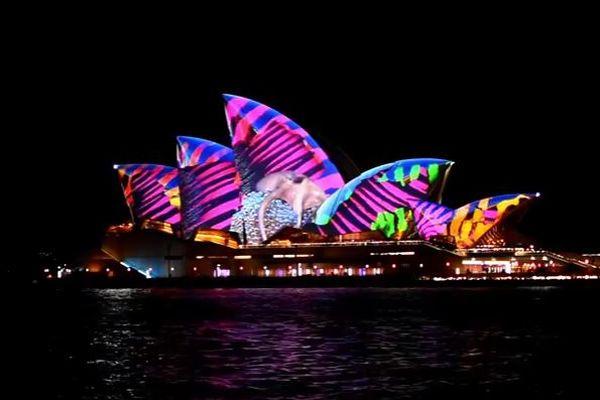 街全体が光に包まれる…豪の祭典「ビビッド・シドニー」が美しい