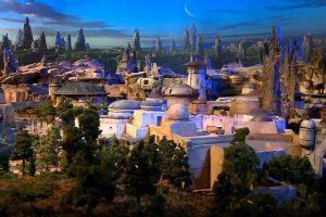 ディズニーが建設予定の「スターウォーズ・ランド」の完成予想モデルを公開