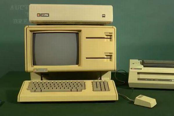 マウスで操作する最初のアップル社製PCがオークションに、開始価格は440万円