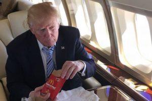 一日12本もコーラを飲む!トランプ大統領の生活はどれほど不健康なのか