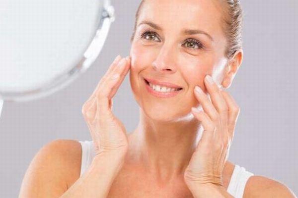顔の運動を行うと、40歳以降の女性の表情が若返る可能性あり:米研究