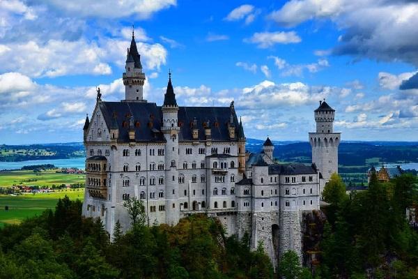 謎に包まれたドイツの城、全てのデータを記録する一大プロジェクトが開始