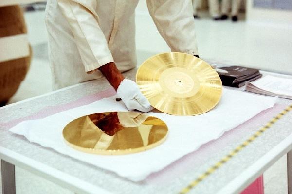 NASAのボイジャー探査機に搭載されたゴールデン・レコード、復刻盤が発売へ