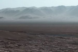 「キュリオシティ」が撮影した火星の広大な風景、NASAがパノラマ写真を公開