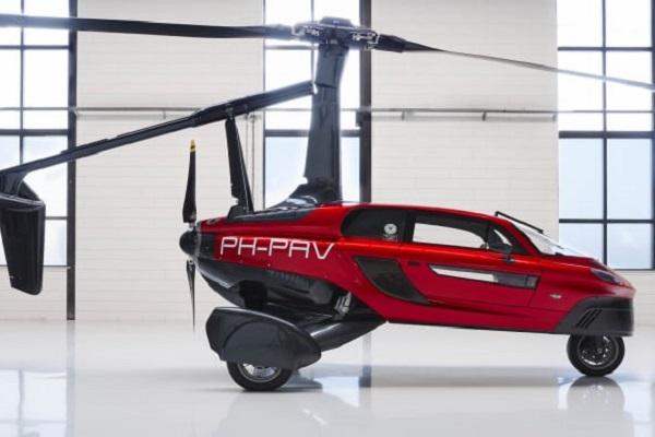 """オランダ企業、世界初の商業販売用""""空飛ぶ車""""をモーターショーで公開"""