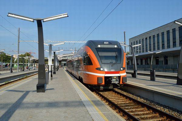 国内全ての公共交通機関を無料に!エストニアにおける世界初の試みが画期的