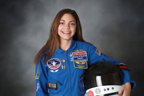 初めて火星に降り立つのは女性?NASAで訓練中の女子高生に注目が集まる