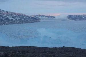 マンハッタン島の3分の1の面積に及ぶ、巨大な氷山が分離する動画が大迫力
