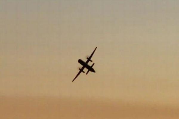自殺を試みるため男が航空機を盗み墜落、当時の飛行映像が公開される