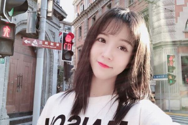 中国で人気の女性ライブストリーマーが拘束される、理由は国歌を侮辱したから