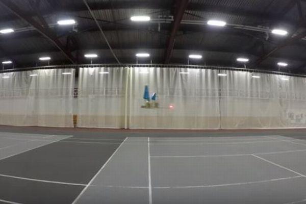 MITがイオン風で動く飛行機を開発、世界で初めて60mの飛行に成功
