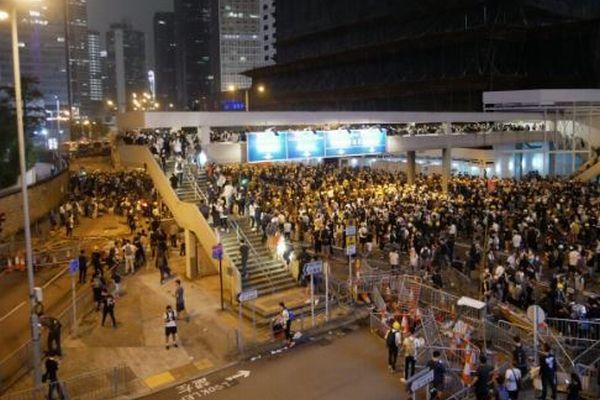 香港デモで中国がサイバー攻撃か、アプリの情報を基に市民も拘束