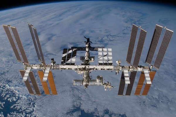 NASAの飛行士が訴えられ、宇宙空間での犯罪に対する初の裁判が行われる