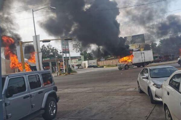 メキシコで治安部隊が犯罪組織と銃撃戦、隊員が人質にとられ撤退