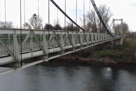 フランスで突然吊り橋が崩落、15歳の少女とトラックの運転手が死亡