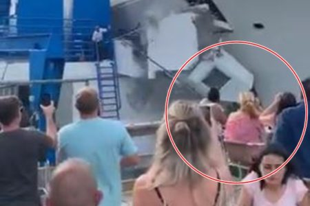 目の前でヨットが橋に激突、それでも静かにワインを飲んでいた女性らが話題に
