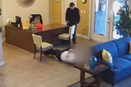 米で93歳の男が発砲、マンションでの水のトラブルが原因