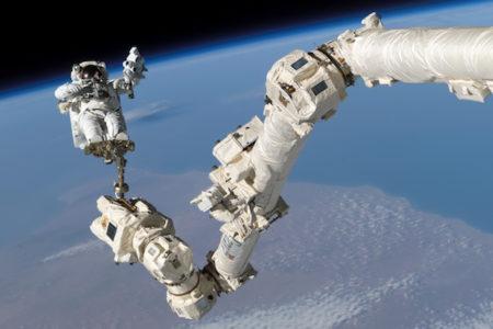 宇宙滞在中の飛行士に、命にかかわる血栓が見つかった