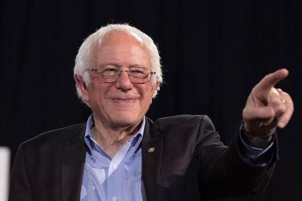 トランプ支持者の親もビックリ!息子が民主党のサンダース候補に献金していた