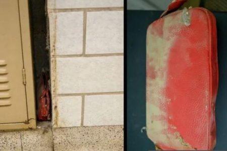 学校のロッカーの隙間から、63年前の生徒が落としたポーチが見つかった