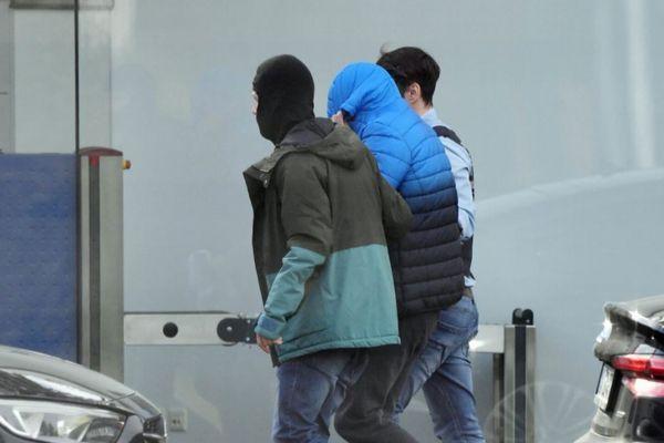 ドイツでモスク銃乱射事件を計画していた、極右勢力の12人を逮捕