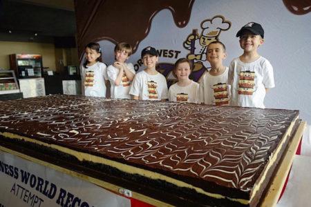 カナダ名物「ナナイモバー」の大きさでギネス世界記録