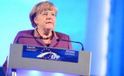 ドイツのメルケル首相、接触した医者がコロナ陽性と判明し、自主隔離へ