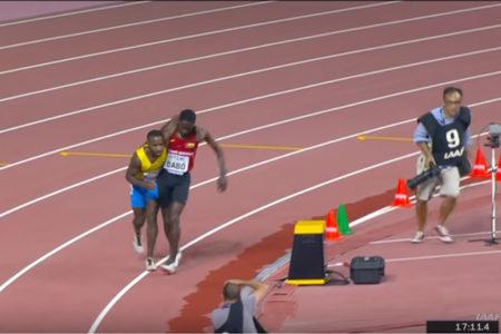 世界陸上5000mで前代未聞のゴールシーン、相手選手を支えて走る姿に感動