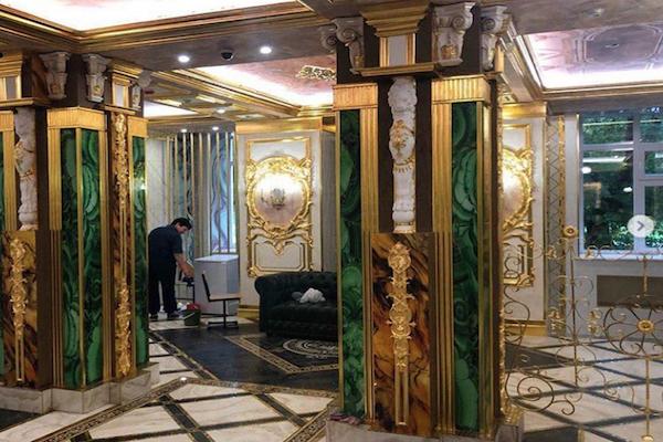 「まるで宮殿…」ロシアの小中学校が富豪からの寄付で、豪勢すぎるリノベーション