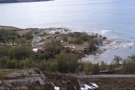 ノルウェーで大規模な地滑り、8つの建物を含む広大な土地が海へ沈む【動画】