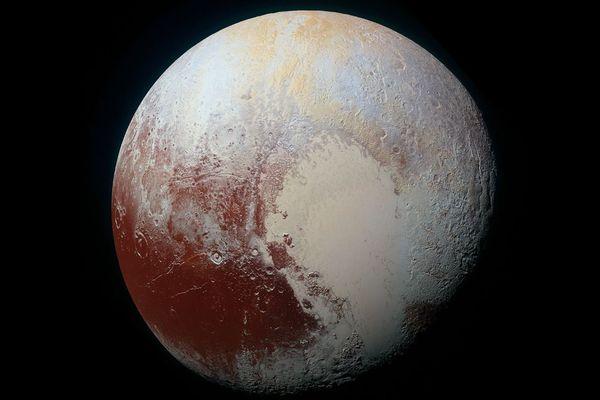 冥王星の地下には海がある可能性、カリフォルニア大の科学者が指摘