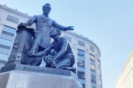 【なぜ?】ボストン市でリンカーン像の撤去を検討、請願書に8000人が署名