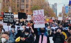 豪で起きた人種差別への抗議活動、州が主催者に罰金を科すことを検討