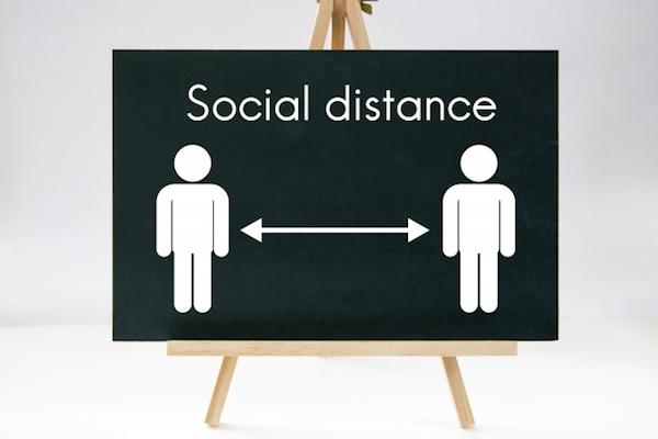 ソーシャルディスタンシングって何メートル?実は国によって距離が異なっていた!