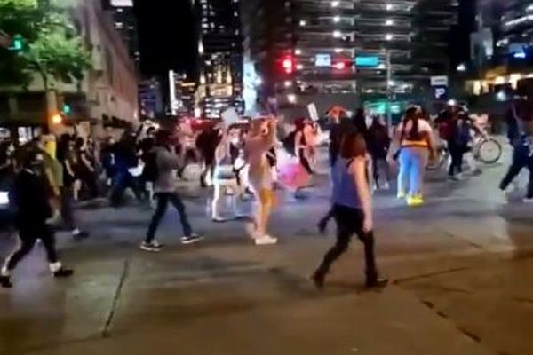 テキサス州で「BLM」のデモ参加者に向け銃を発砲、1人が撃たれ死亡【動画】