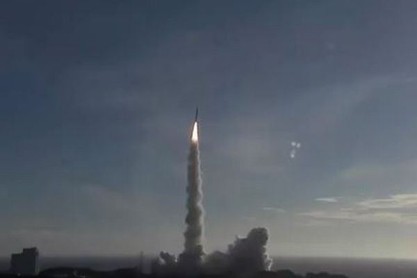 アラブ首長国連邦の火星探査機、日本のH-2Aロケットに搭載され打ち上げ成功【動画】