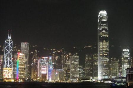 中国政府、香港とイギリスなどの3カ国との犯人引き渡し条約を停止と発表