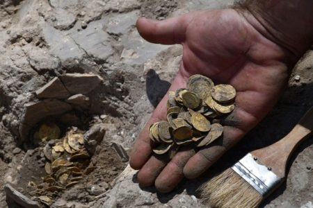 その価値500万円以上!イスラエルで1100年前の金貨が発見される