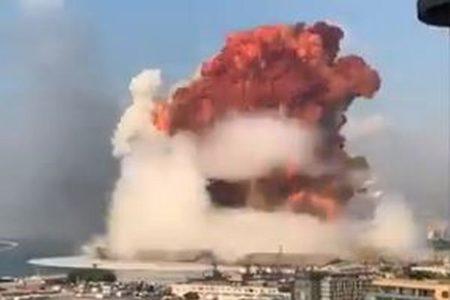 レバノン爆発事故、海に投げ出された港湾作業員を30時間後に救出