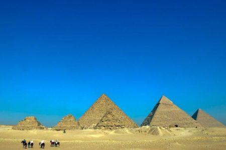 「エイリアンがピラミッドを作った」E・マスク氏の発言に、エジプトの大臣が反論