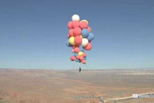 リアル風船おじさん現る、52個の風船をつけて高度7000mに到達