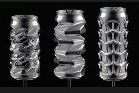 親指だけで作る幾何学的な「アルミ缶」アートに驚き