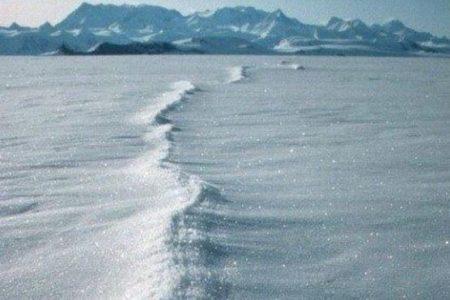 南極にある氷河が予測よりも早く解けている!衛星画像の分析で明らかに