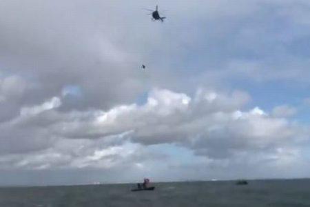 命知らずの元軍人、パラシュートをつけずに40mの高さから海へ落下