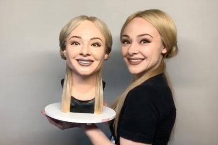 自分そっくりに作ったケーキを切り分ける動画が「痛すぎる」と話題に